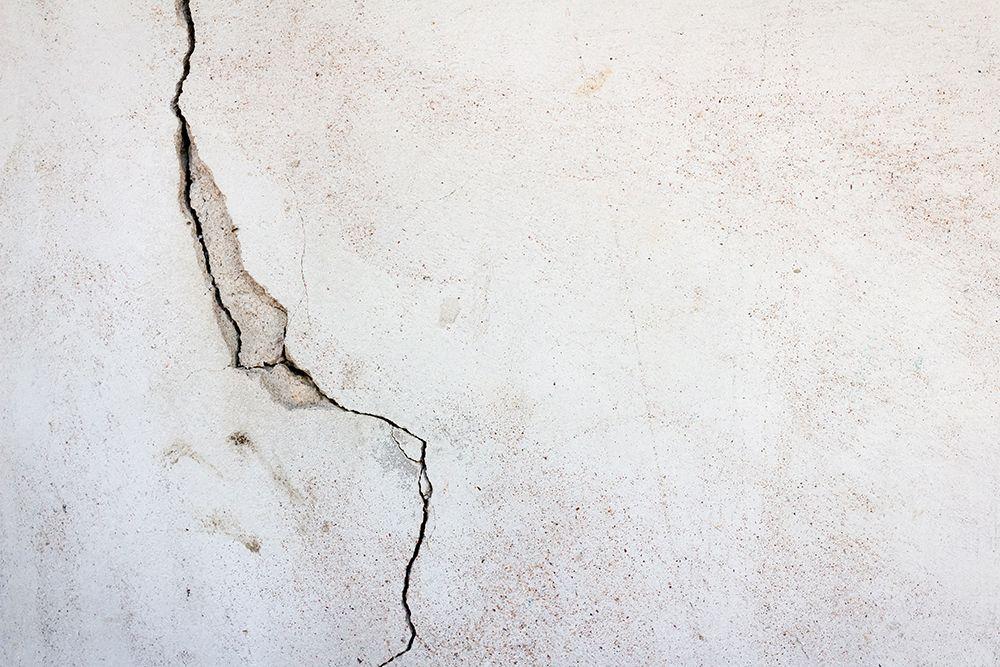 hairline-cracks
