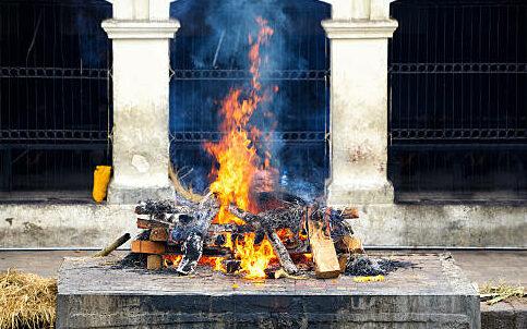 Cremation ceremony at Pashupatinath Temple in Kathmandu, Nepal