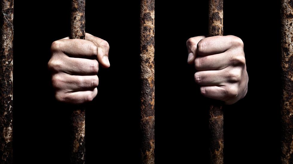 prison-bars-jail-detention-prisão-cadeia